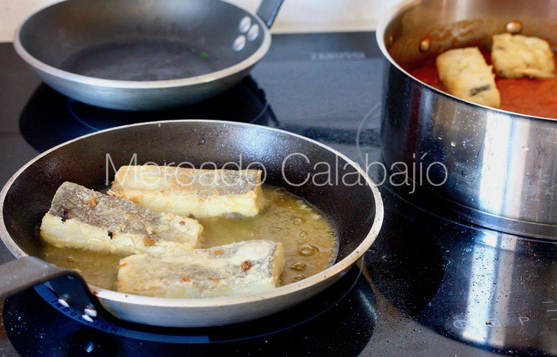 BACALAO CON TOMATE FAMILIAR12