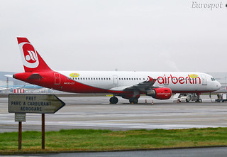 OE-LCF A321 NIKI