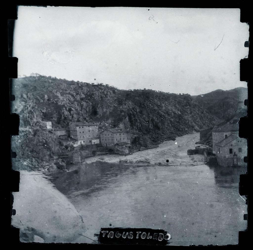 Torno del río Tajo en Toledo hacia 1895. Fotografía probablemente tomada con una cámara modelo Frena nº1.
