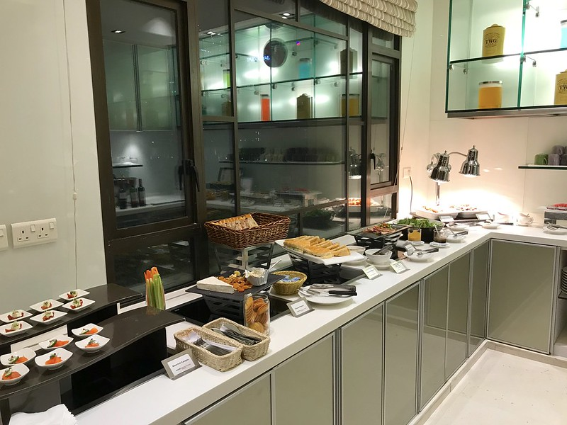 Dinner bites at Swiss Executive Lounge (Swissotel Merchant Court Singapore)