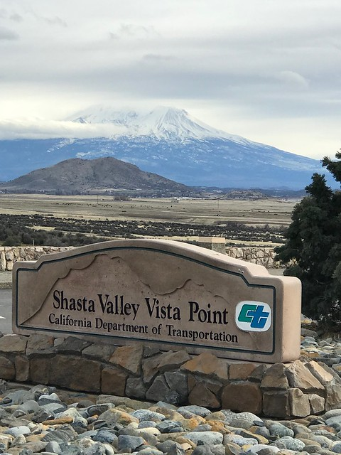 Shasta Mountain vista poing