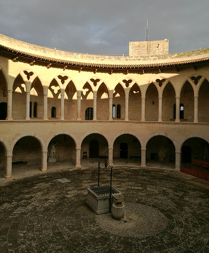 What to do in Palma de Mallorca? Walk up to Bellver Castle.