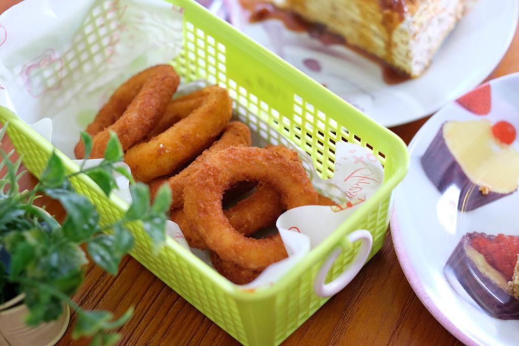 lina's cafe DSCF1183