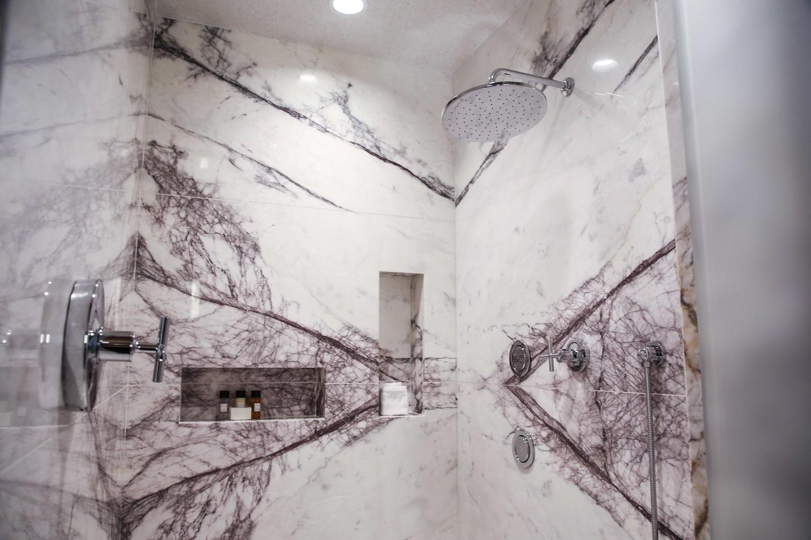red rock resort suite bathroom
