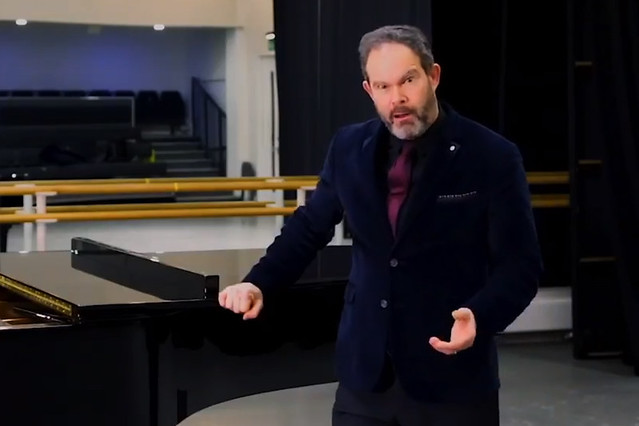 Gerald Finley performing the Te Deum from Tosca via Facebook Live, 2018 © Royal Opera House