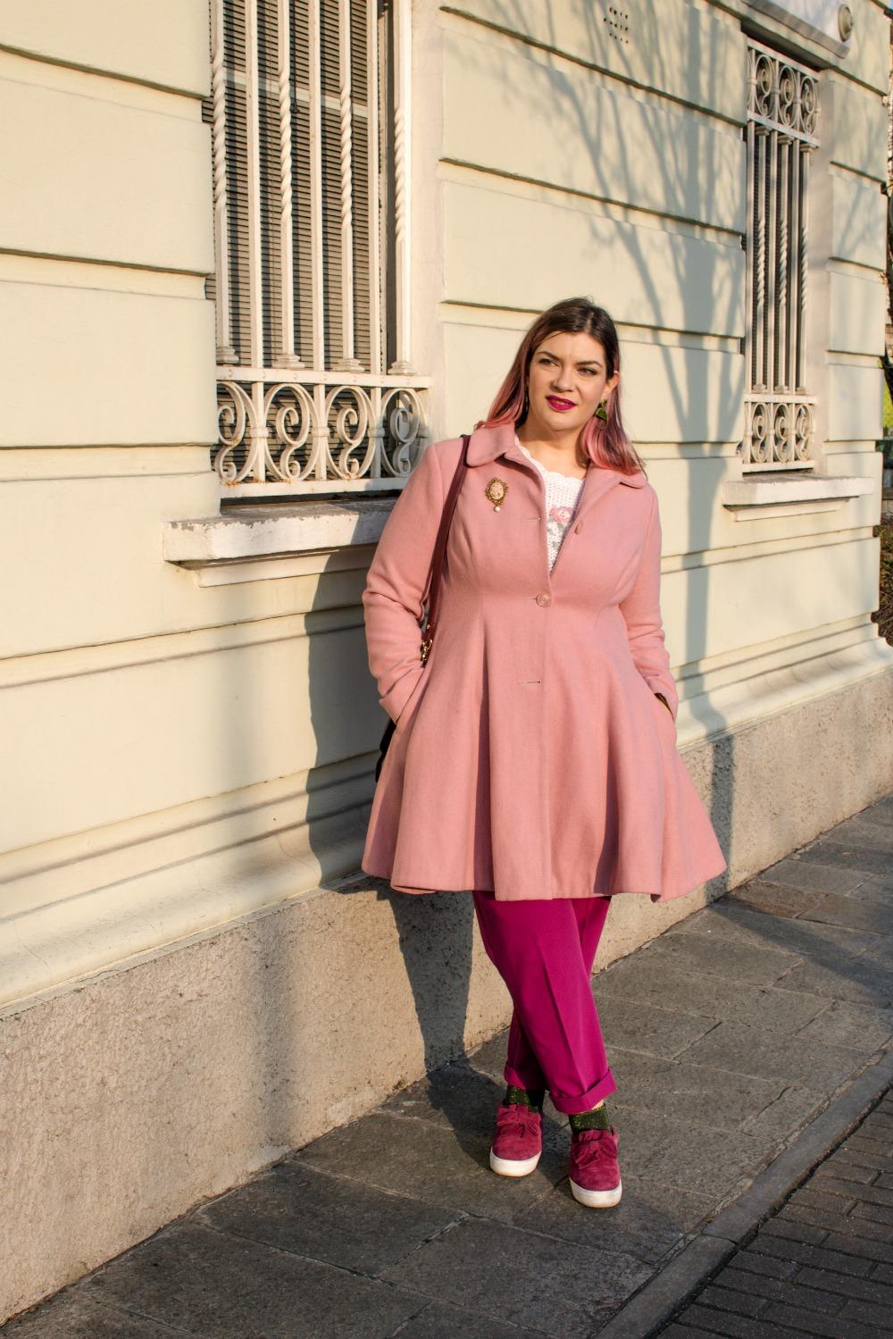 Outfit plus size, maglione vintage pantaloni colorati (5)
