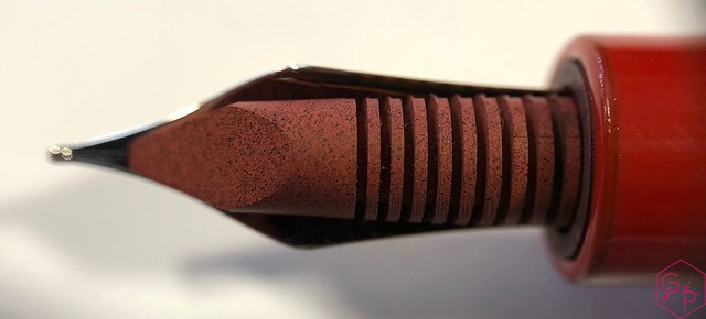 Review @Wancher Red Urushi Ebonite Fountain Pen 10