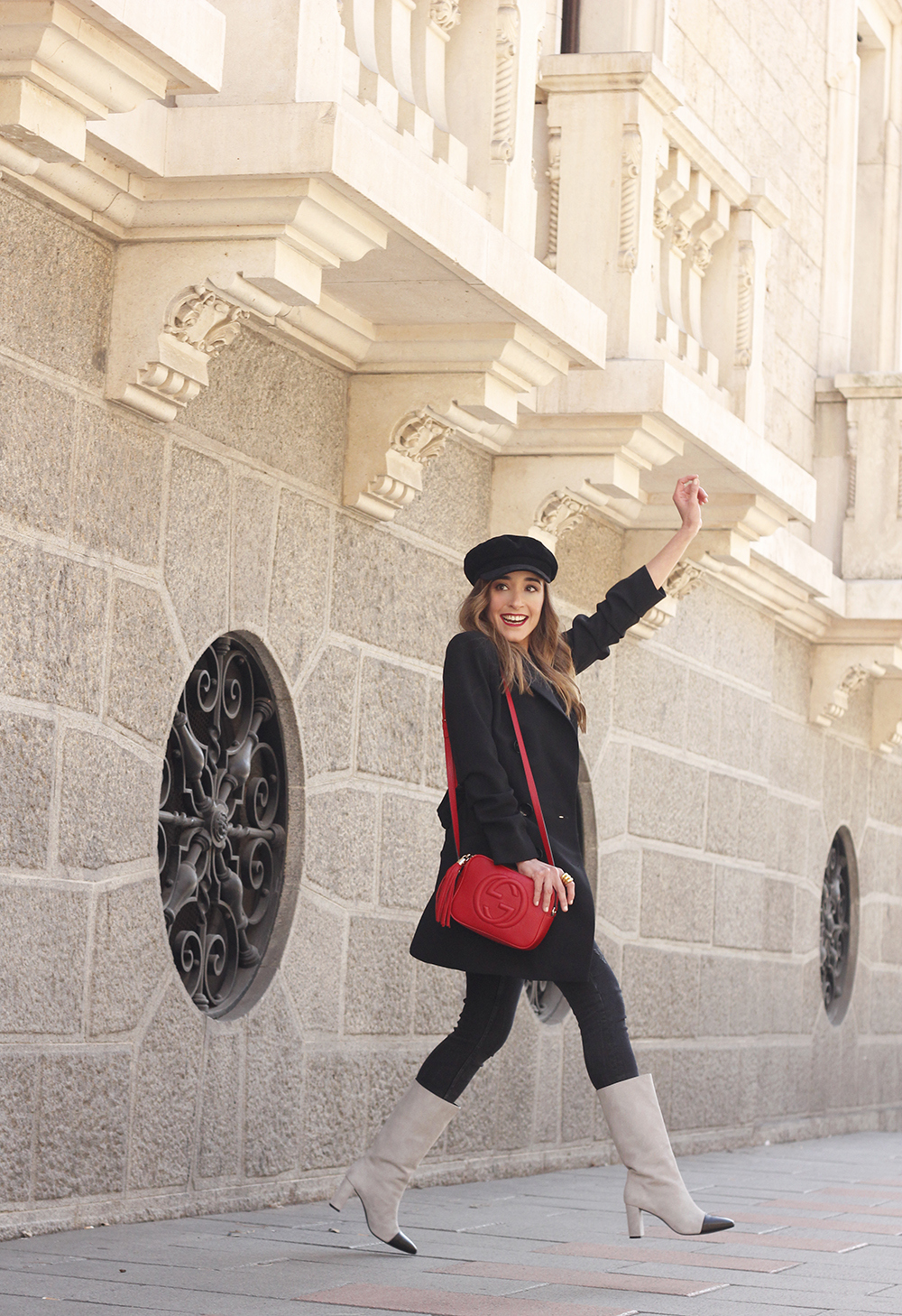 black blazer bicolor boots uterqüe gucci bag gucci belt navy cap style fashion winter outfit11