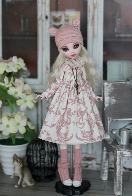 Ashy pink mori-style outfit