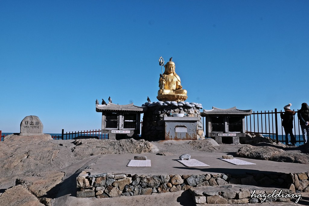 Busan-Haedong Yonggunsa-Buddha