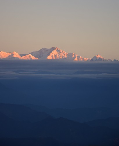 india asia autumn darjeelingdistrict gorkhaland sunrise tigerhill kangchenjunga sky skies skyline landscape clouds mist october outdoors cold hill hills himalayas d5300 nikon nature abovetheclouds blue pink sunlight morning mountain mountains sun northeast