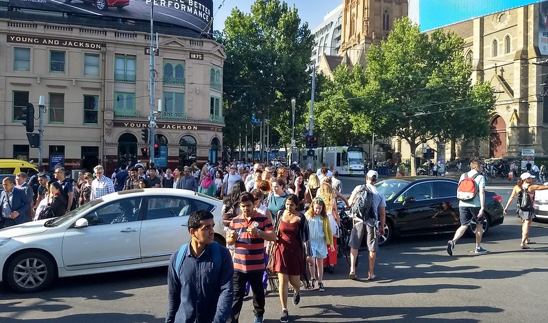 Motorists blocking pedestrian crossing, Flinders/Swanston Street #Rule128