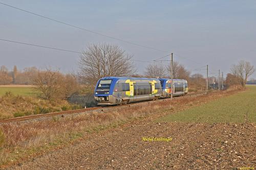UM X 73661-Champagne-Ardennes-X 73902-Alsace- TER 832778 Mulhouse-Wesserling à Cernay