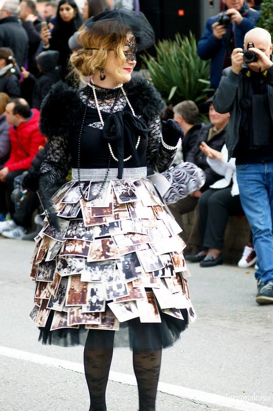 Карнавальный костюм со старыми фотографиями