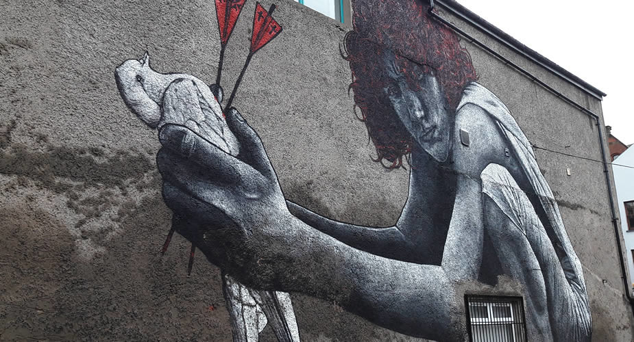 Belfast: street art in Cathedral Quarter, The Son Of Protagoras | Mooistestedentrips.nl