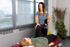 Salford-Doctor-Of-Chiropractic-Dr-Lindsay-beardswworth-at-salford-chiropractic-clinic7