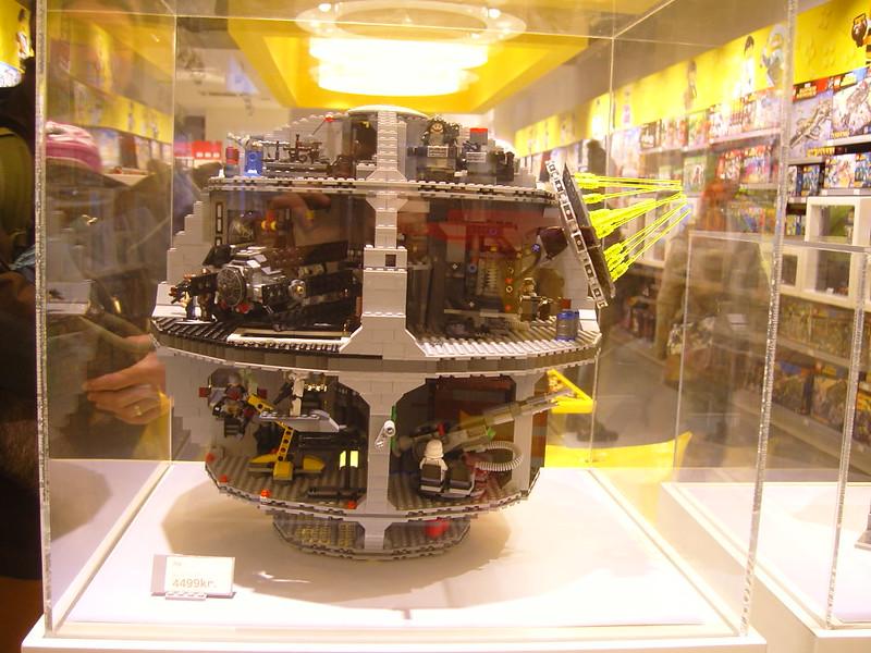 Επίσκεψη στο official Lego Store Copenhagen! 28008521189_306052d7f7_c