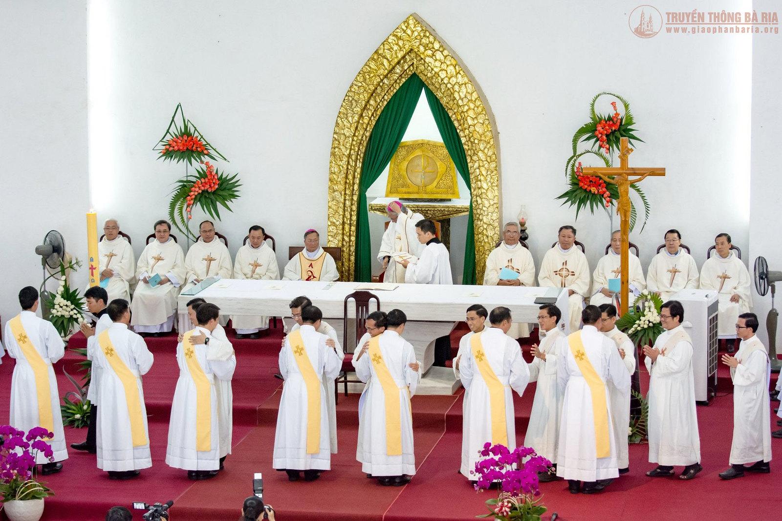 Thánh lễ truyền chức Phó tế – Gp Bà Rịa - Ảnh minh hoạ 13