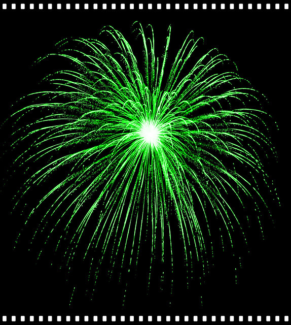 Beautiful Strong Green Burst #EpicFireworks
