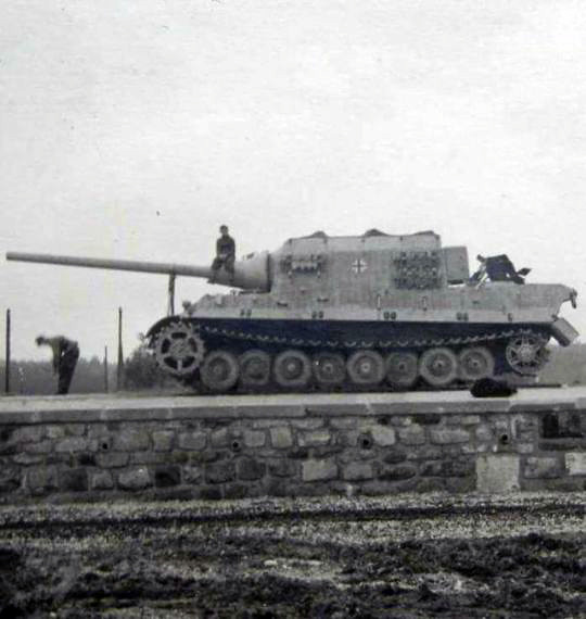 Jagdtiger avec Porsche suspension