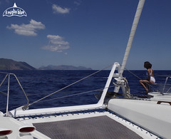 catamaran-aeolian-islands-sailing-vacation
