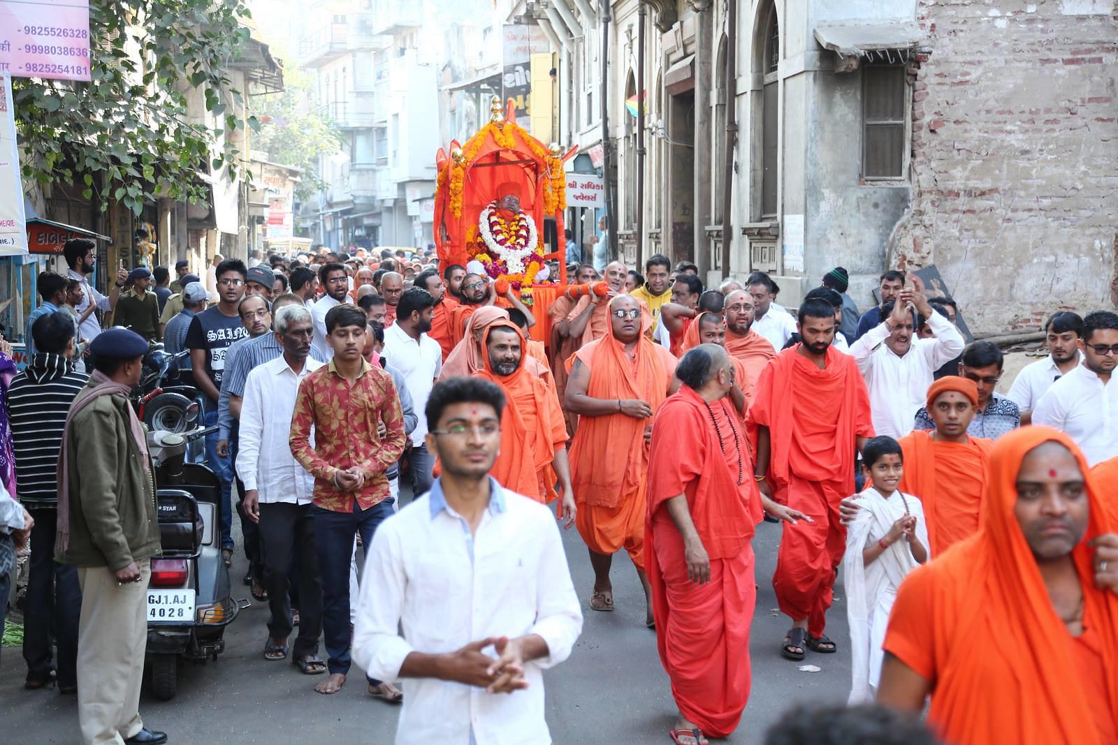 Brahamchari Swami Rajeshwaranand Palki Yatra