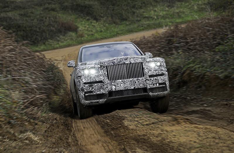 Rolls-Royce-Cullinan-CarbonOctane-4