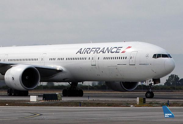 Air France B777-300ER F-GSNR (RD)