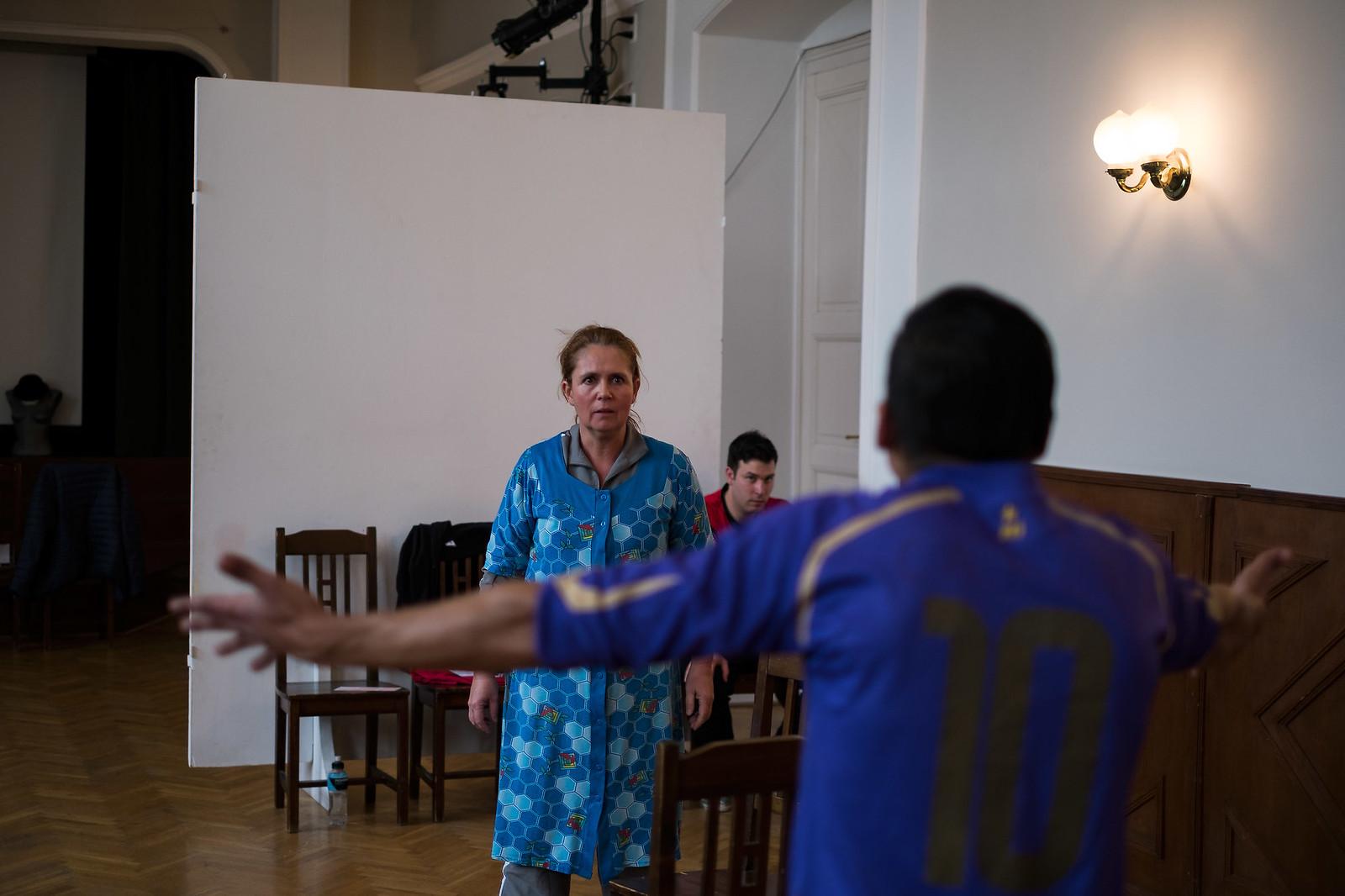 Carlo nevelőjével, a nénjével konfrontálódik | Fotó: Magócsi Márton