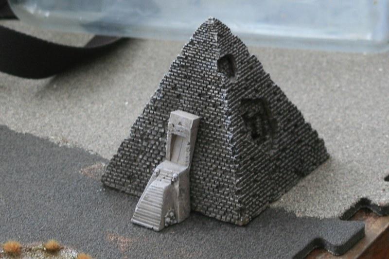 [Décors Aquarium] Une pyramide 39662157612_f9f76912c4_c