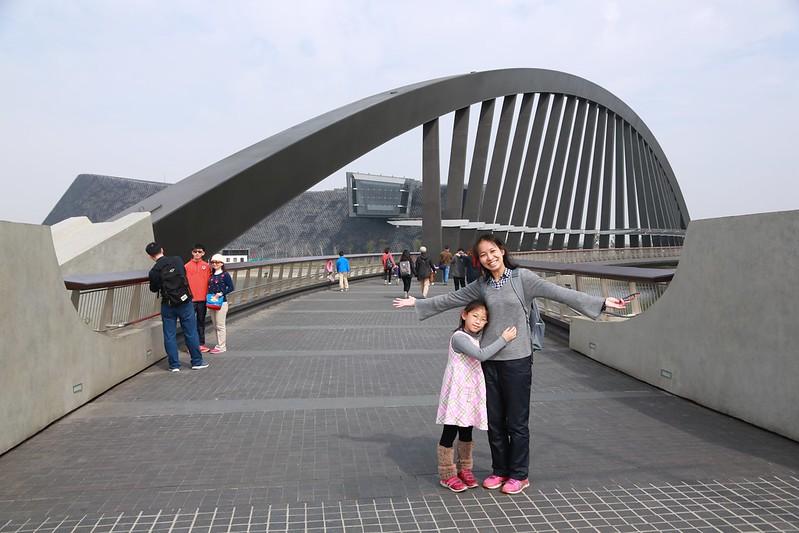 通往故宮南院的橋
