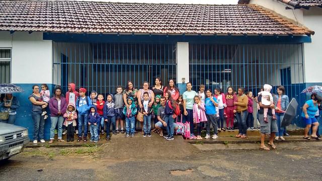 Mobilização de pais, alunos e educadores em frente a Escola Municipal Maria Euquépia - Créditos: Divulgação