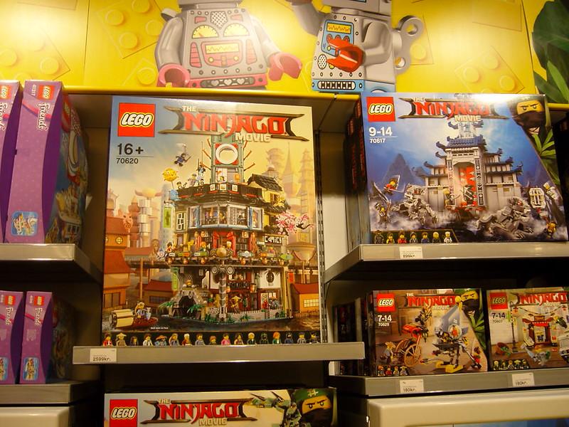 Επίσκεψη στο official Lego Store Copenhagen! 28008515579_8d7f189579_c