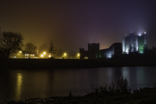 trim castle fog jan 2018 new fuji xt20 boyne river backlit street lights tree water sky long exposure landscape