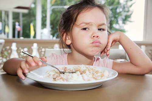 Cara Mengatasi Anak Tidak Mau Makan Nasi Sama Sekali