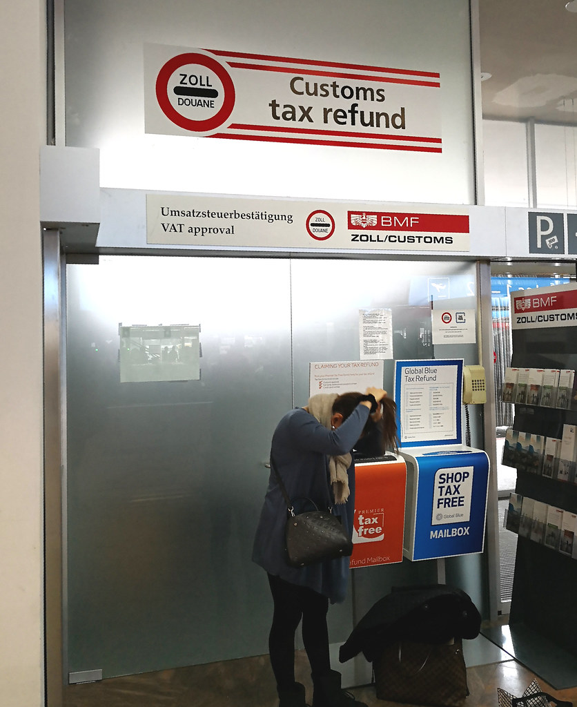 Customs tax refund counter