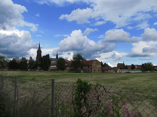 20140804 02 492 Jakobus Marienthal Wolken Kirche Turm Häuser