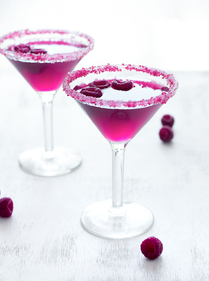 Very Pink Raspberry Cosmopolitan www.pineappleandcoconut.com