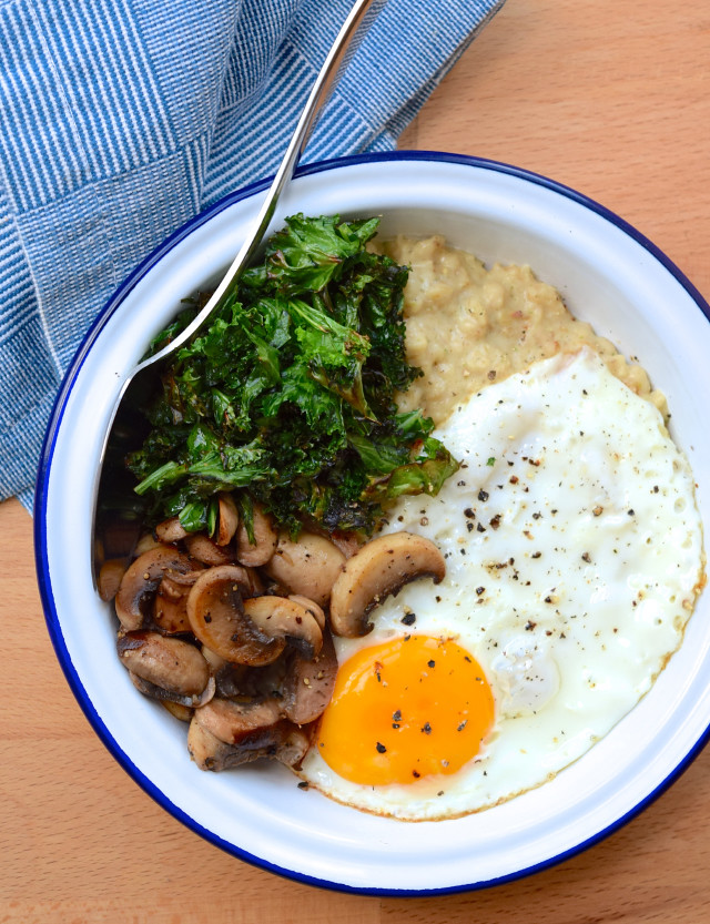 Savoury Miso Porridge with Mushrooms and Crispy Kale #porridge #oatmeal #miso #japanese #kale #egg #mushroom#weeknight #dinner #vegetarian