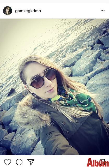 Gamze Gökduman, Alanya sahilinde güneşli havanın tadını çıkardı.