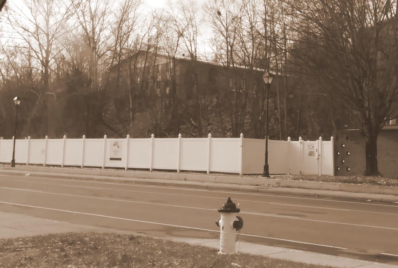 Fence on Richland Ave 12-25-2017 11-10-38 AM