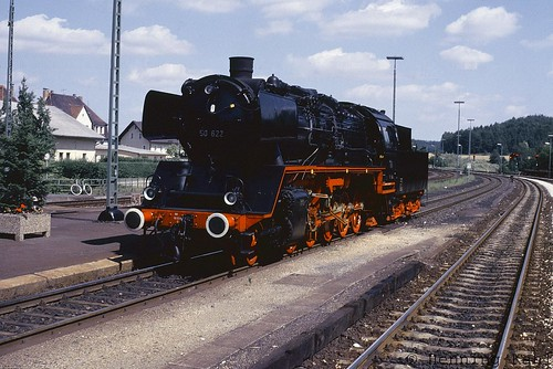 50 622 im Bahnhof Neukirchen (b.S.R.) 1985