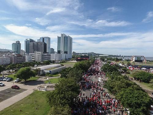 Vigília pela defesa da democracia e contra o julgamento de Lula em Porto Alegre