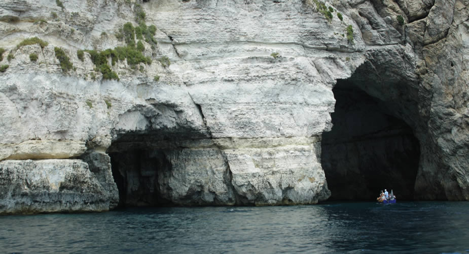 Dagtrips op Malta: Blue Grotto | Mooistestedentrips.nl