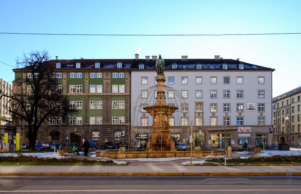 Rudolfsbrunnen Square