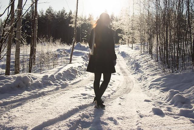 Musta trenssi, ootd, styleblogger, finnish blogger
