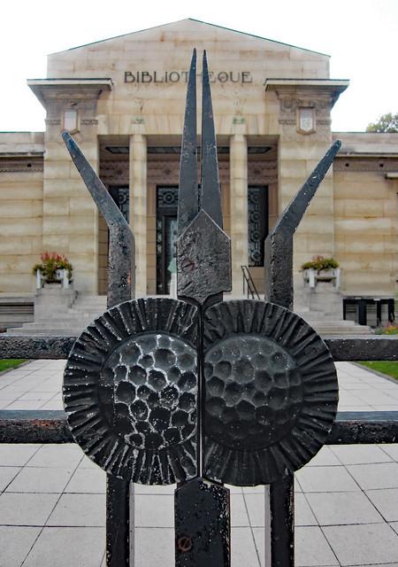 Ironwork gate - Bibliothèque Carnegie, Reims