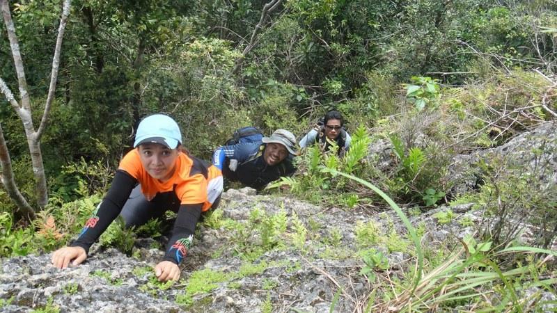climbing Mt. Kapayas