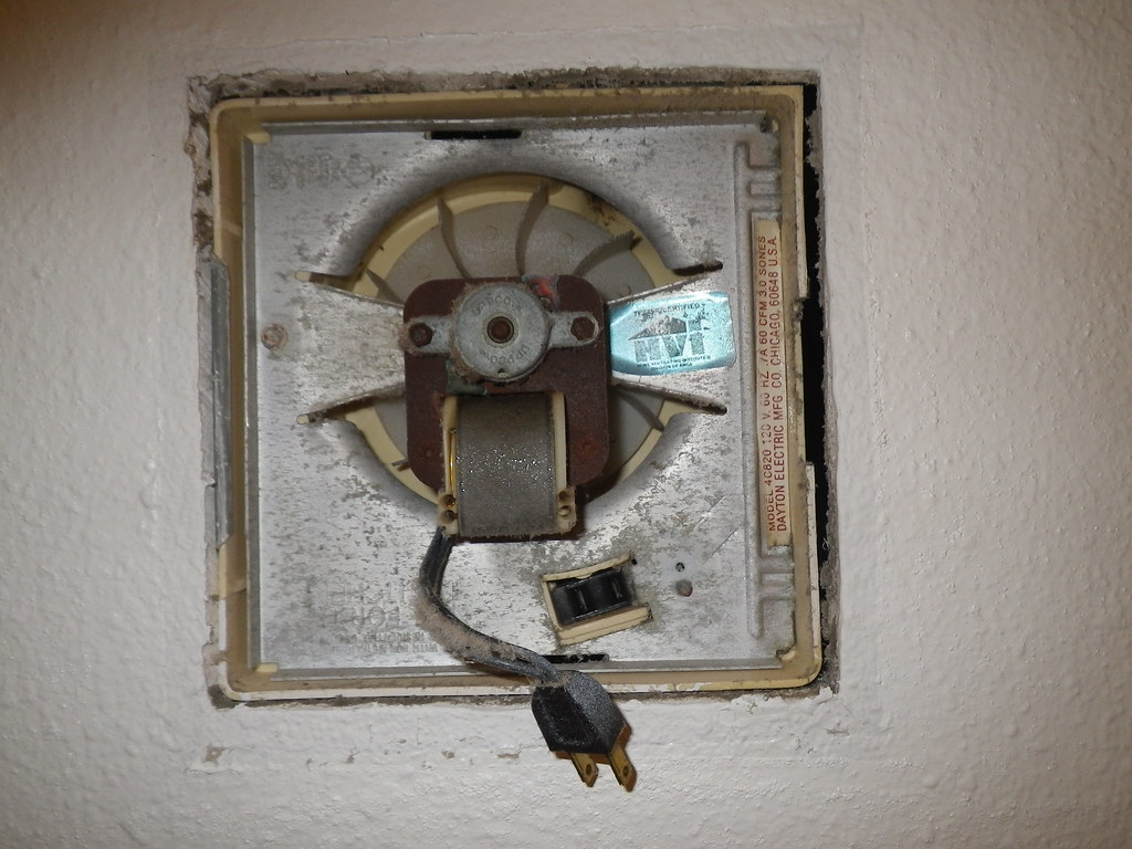 old exhaust fan has plug and outlet in fan housing. Black Bedroom Furniture Sets. Home Design Ideas