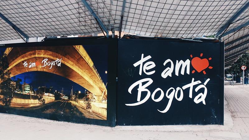 en las calles de Bogotá • COL